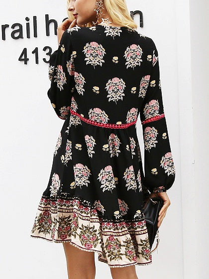 Black V-neck Print Detail Long Sleeve Mini Dress