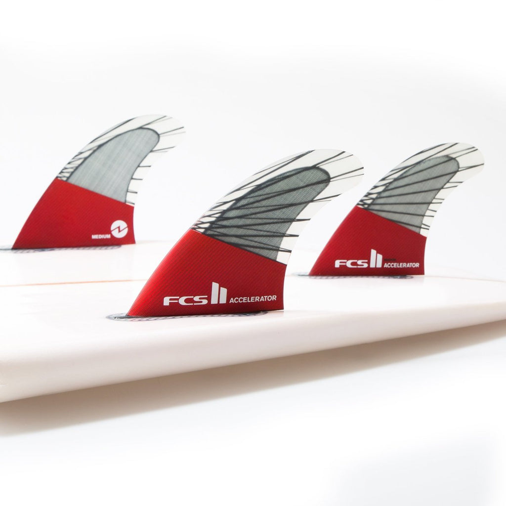 FCS II Accelerator PC Carbon Red Mood Large Tri Retail Fins