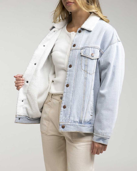 Rhythm / Sherpa Lined Boyfriend Denim Jacket / 0421W-JK02