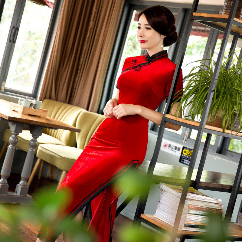 Exquisite Red Velutum Tradition Long Cheongsam Dress - KINGEOUS