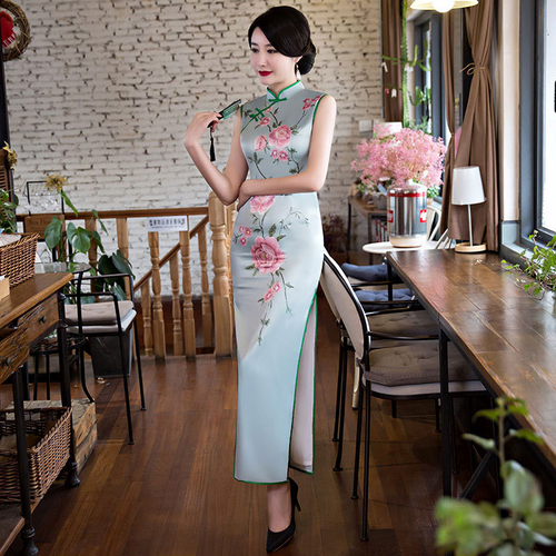 Artistic Printed Sleeveless Band Collar Silk Long Cheongsam - KINGEOUS