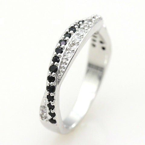 925 Sterling Silver Ring With Cubic Zirconia Diamonds