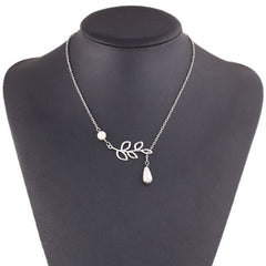 Silver Plated Chocker Necklace With Leaves Pendant
