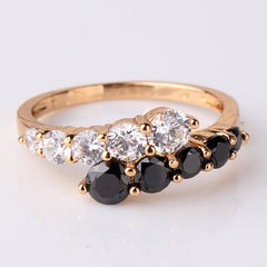 18K Gold White & Black Ring With Cubic Zironia Crystals - 5 Sizes
