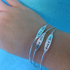 Personalized 'Best Mom' Bracelet (Customize with Any Word)