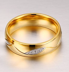 High Quality Cubic Zirconia Ring - 18K Gold Plated Stainless Steel