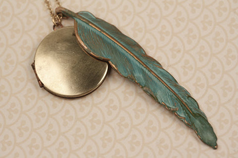Vintage Gold Pendant Locket w/ Blue Feather Necklace (Gold Plated Chain)