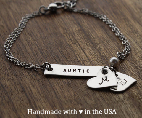 Personalized Auntie Bar Bracelet with Hearts & Custom Initials
