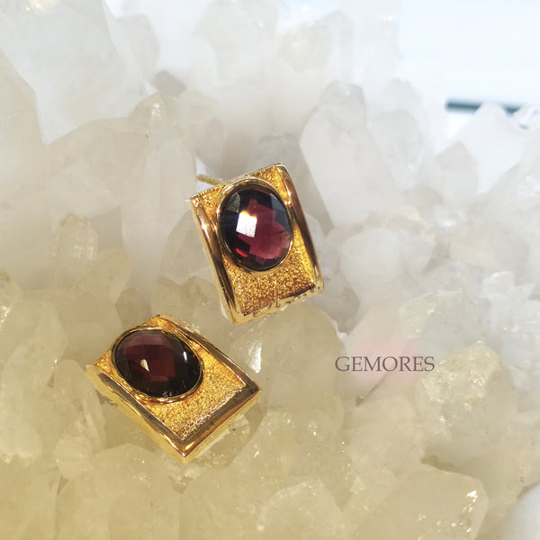 Vintage Imperial lustrous double faceted burgundy garnet earrings
