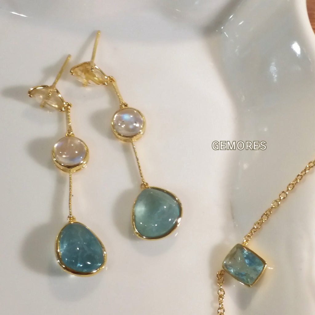 e02df9b57 Ocean Blue Aqua rough cut earrings in 18K gold plated – Gemores