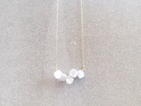 En Saison Keshi pearl necklace in gold
