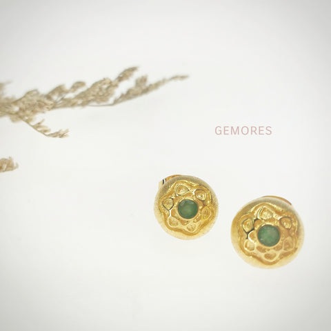En Saison Emerald stud earrings