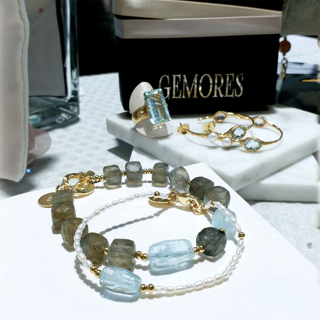 Raw Gems Collection rainbow labradorite with fancy cut aquamarine bracelet in 18K gold
