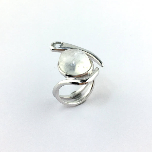 Le Emmalyn Rainbow moonstone ring in white gold