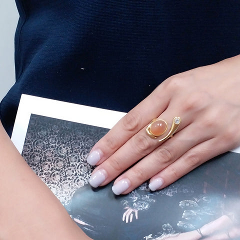 Le Emmalyn Moonstone in peach ring in 18K gold