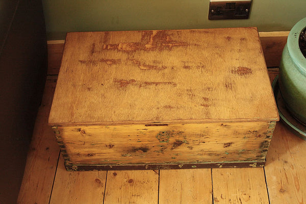 1939 Vintage Chest/Trunk Coffee Table - Arte Povera - 4