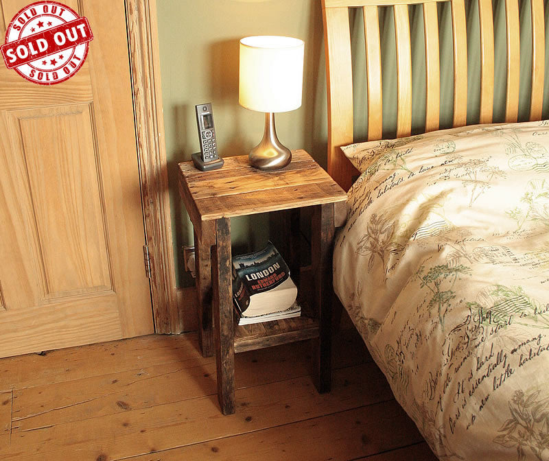 Rustic Bed Side Tables Made With Reclaimed Pallet - Arte Povera - 1