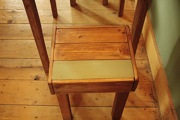 Rustic Bistro Table With 2 Stools Made With Pallet Wood - Arte Povera - 2