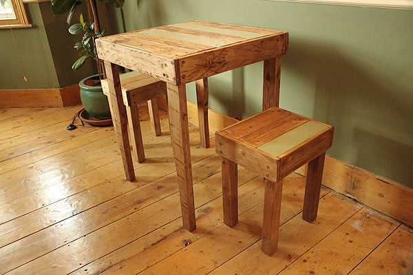 Rustic Bistro Table With 2 Stools Made With Pallet Wood - Arte Povera - 6