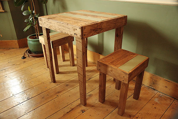 Rustic Bistro Table With 2 Stools Made With Pallet Wood - Arte Povera - 5