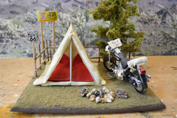 Harley Davidson Camping On Route 66 - Scale 1/18