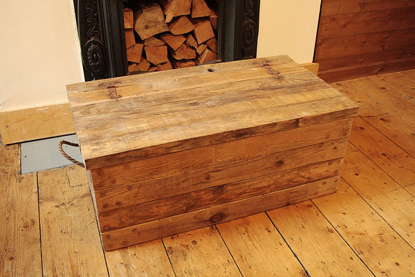 Rustic Chunky Trunk Chest Coffee Table Made With Pallet Wood - Arte Povera - 6