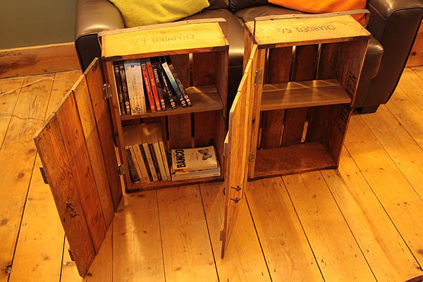 Side/End Table Bedside Table Made With Vintage Fish Crate - Arte Povera - 4