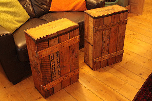 Side/End Table Bedside Table Made With Vintage Fish Crate - Arte Povera - 3