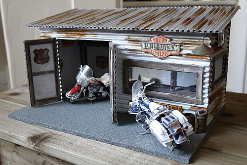 Harley Davidson Garage On Route 66 - Scale 1/18 - Arte Povera - 1