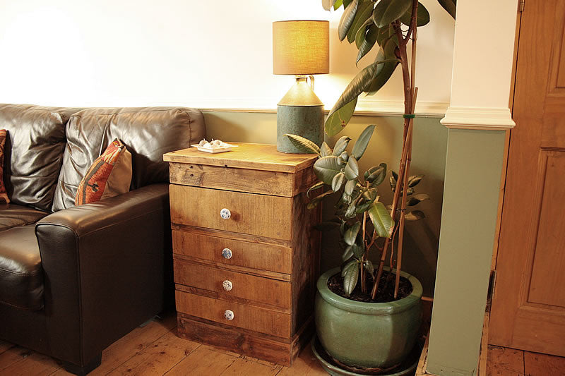 Rustic Chest Of Drawers Handmade With Pallet Wood And Vintage Butcher Chopping Board - Arte Povera - 1