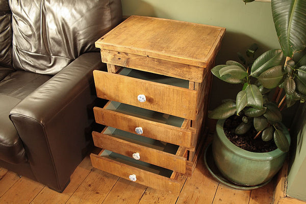 Rustic Chest Of Drawers Handmade With Pallet Wood And Vintage Butcher Chopping Board - Arte Povera - 3
