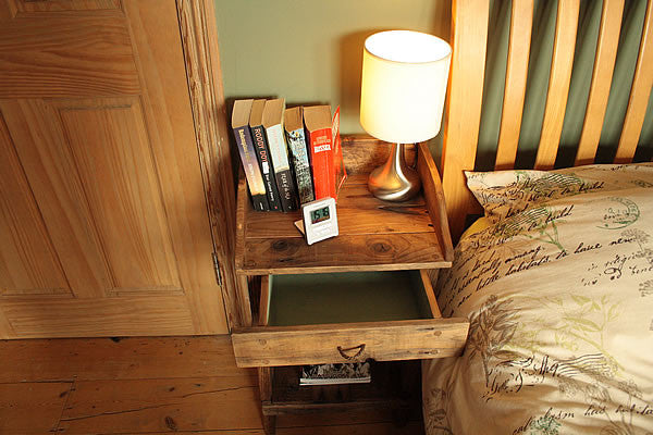Rustic Side Table Made With Pallet Wood 1 Drawer 1 Shelf - Arte Povera - 3