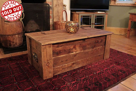 Rustic Trunk Chest Coffee Table Made With Pallet Wood
