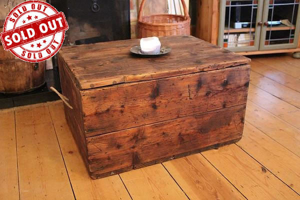 Vintage Trunk/Chest Coffee Table Restored - Arte Povera - 1