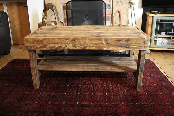 Wooden Coffee Table Made With Pallet Wood - Arte Povera - 2