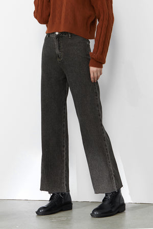 Load image into Gallery viewer, Black High-Rise Straight-Leg Jeans
