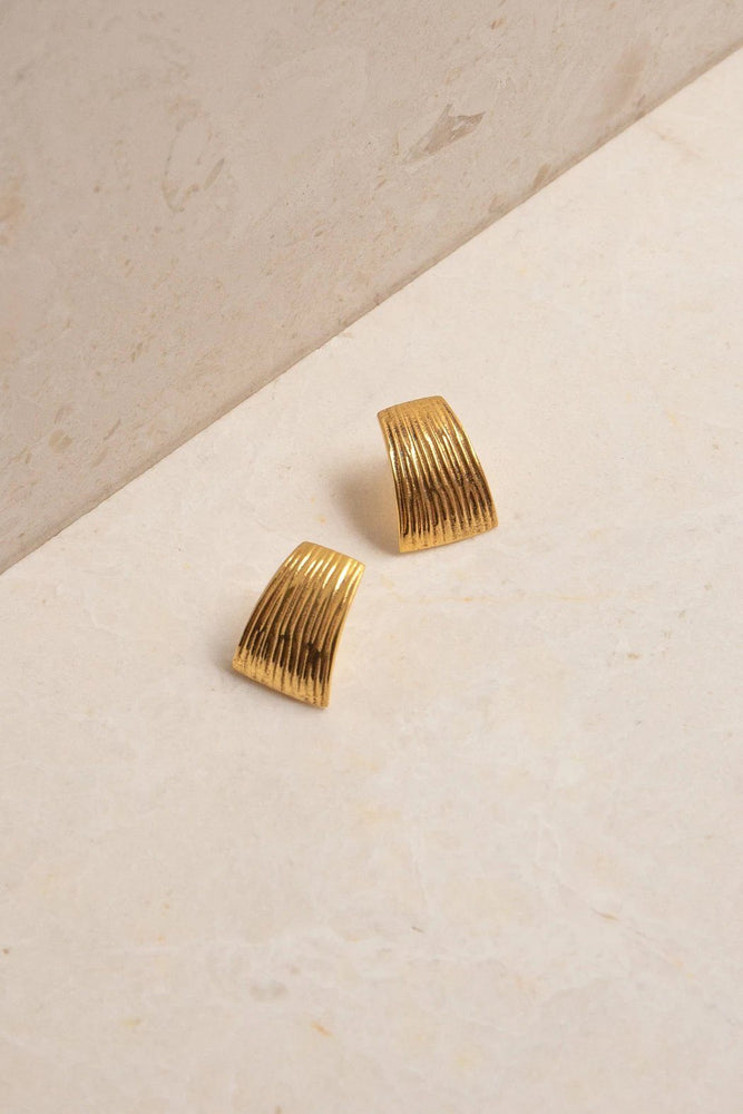 Curve Earrings - Gold