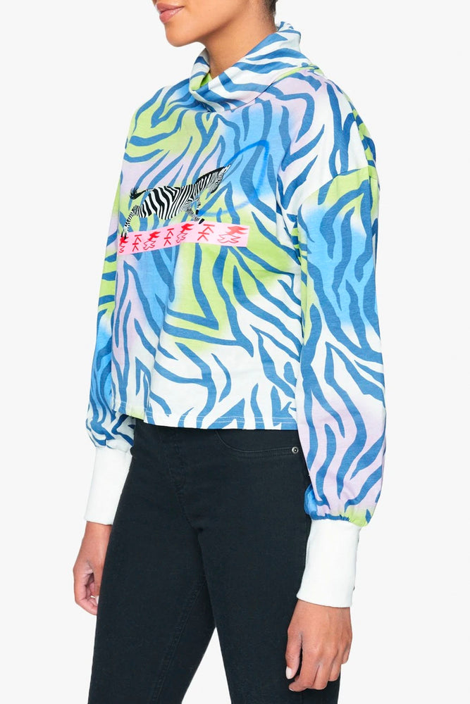Graphic Turtle Neck Sweatshirt