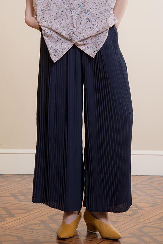 Load image into Gallery viewer, Pleated Wide Leg Pants