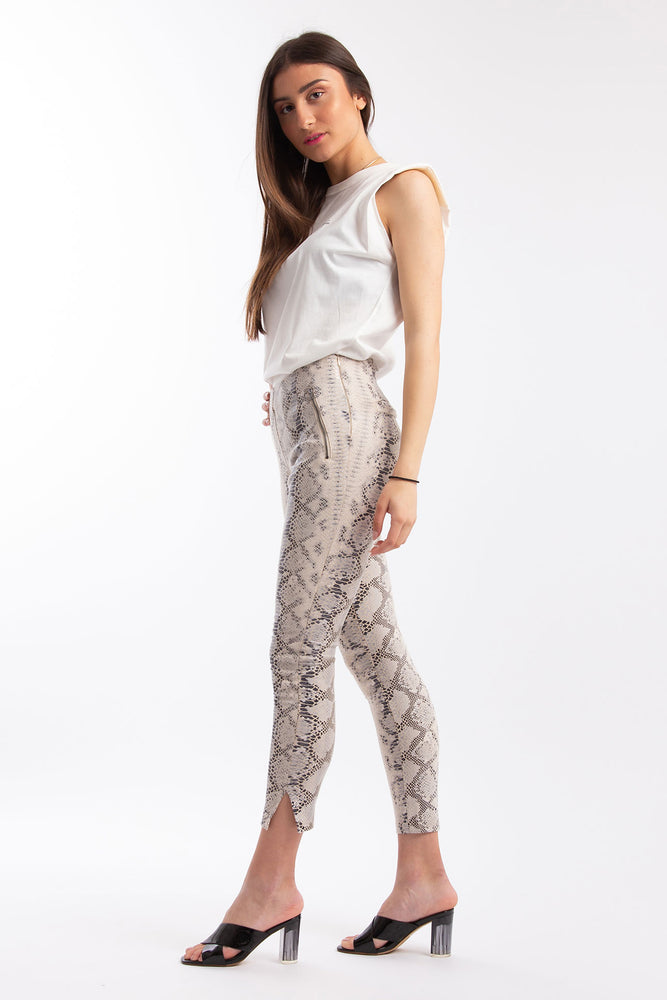 Legging with Notched Cuff