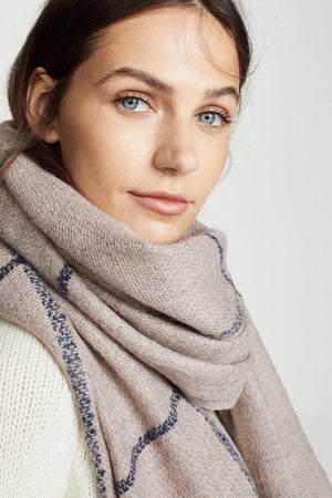 Box windowpane scarf-Blush