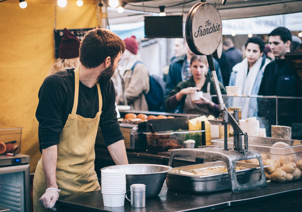 Temporary staffing, employee in food service | Shopify Retail blog