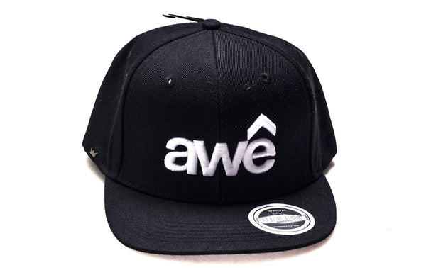 Awê (White Embroidery / Black Cap)