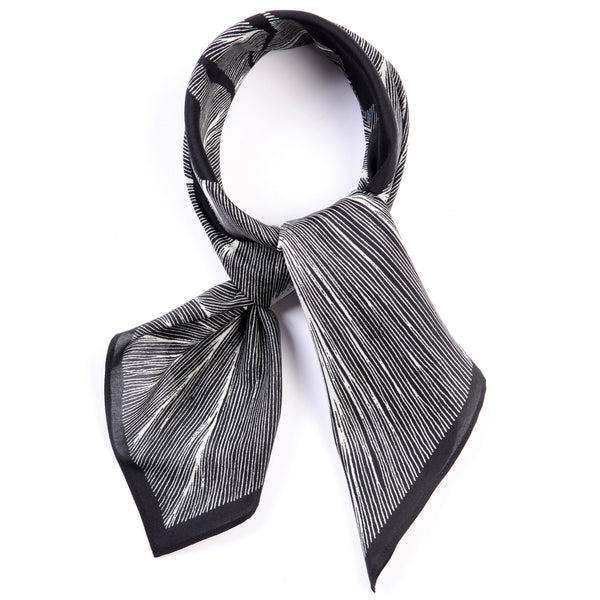 The-Black-and-White-Insect-Scarf-silk-carre-square-65x65-packshot