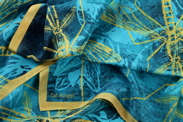 The-Blue-Mosquito-scarf-silk-rectangular-yellow-45x180-closeup-view
