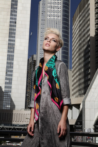 The Great Green Fish Scarf silk carré square pink yellow black white 90x90 2016 urban campaign 1