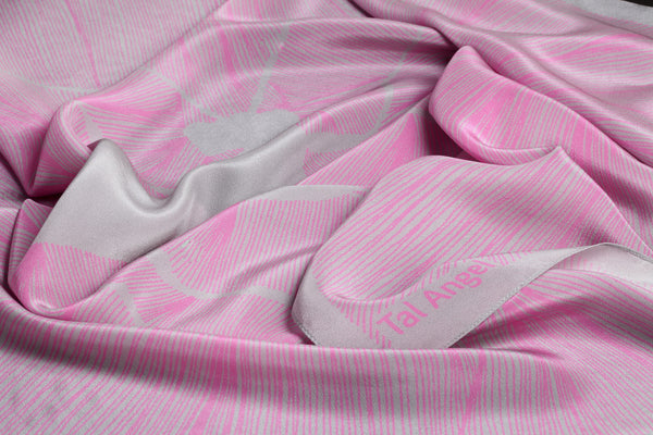 The-Pink-Insect-Scarf-silk-carre-square-grey-90x90-packshot-closeup-view1