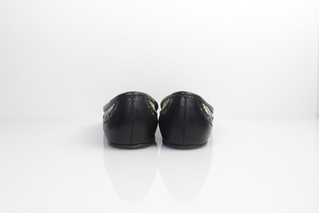 Pre-owned Burberry black leather flats US:6