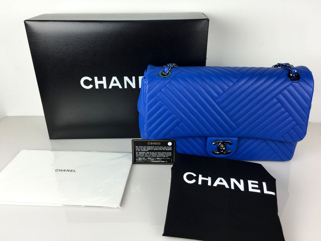 Pre-owned Chanel electric blue chevron flap bag