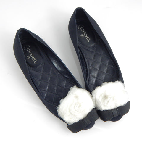 Chanel Flats With Camelia Beige Flower And Bow Detail